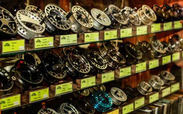 sell fly fishing reel